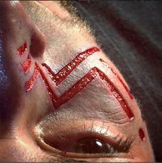 escarificacion-tendencia-del-tatuaje-que-implica-cortar-la-carne