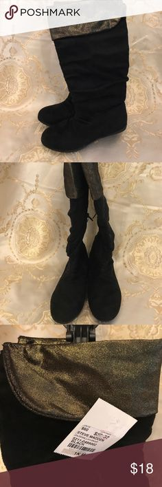 Steve Madden NWT black/ gold ultra suede boots Black ultra suede with shiny gold fold over. Steve Madden Shoes Boots