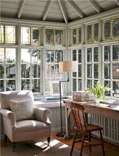 18 Small Conservatory Interior Design Ideas www. Sunroom Office, Small Sunroom, Home Office Decor, Home Decor, Office Ideas, Cool Rooms, Small Rooms, Small Conservatory, Conservatory Design