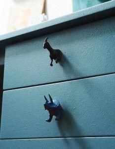 DIY poignées tiroirs bureau figurines dinos bleu