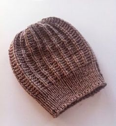 Beanie Hats, Beanies, Handicraft, Knitted Hats, Handmade, Hand Making, Hat Patterns, Knitting Ideas, Gardening