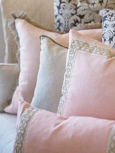 pillows pillows