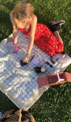 Summer Dream, Summer Girls, Summer Days, Adidas Instagram, Lily Chee, Picnic Date, California Outfits, Indie Kids, Summer Aesthetic