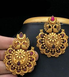 Jewelry OFF! Aashkaanya is an Online Traditional Indian Imitation Jewelry Boutique. The new destination for your shopping hub. Explore all collection for new designs and more colors. Lets Show The World You Shine. Indian Jewelry Earrings, Jewelry Design Earrings, Gold Earrings Designs, Antique Earrings, Temple Jewellery, Ear Jewelry, Stone Earrings, Necklace Designs, Gold Jewellery