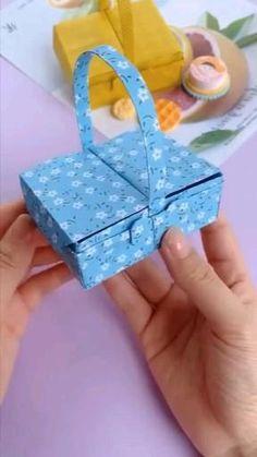 Diy Gifts Paper, Paper Crafts Origami, Diy Crafts For Gifts, Paper Crafts For Kids, Diy Home Crafts, Diy Paper, Diy For Kids, Instruções Origami, Oragami