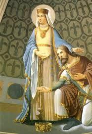 (47) 500 – Se casó con Santa Clotilde, hija de Chilperico II rey de los burgundios. Clotilde logra persuadir a Clodoveo para que se convirtiera al Catolicismo, siendo bautizado solemnemente junto a todos los jefes de su ejército por San Remigio, obispo de Reims, poniéndose así en buenos términos con la poderosa iglesia de Roma y con sus súbditos galorromanos.