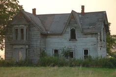 Old Buildings, Abandoned Buildings, Abandoned Places, Homesteads, Old Houses, Interior And Exterior, Walls, Lost, Farmhouse