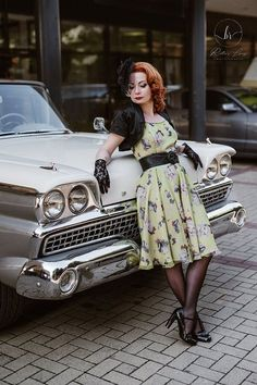 Pin-Up Girls Dress: vintage style / pin-up / rockabilly dress by TiCCi Rockabilly Clothing Pin Up Outfits, Pin Up Dresses, Girls Dresses, Vintage Fashion 1950s, Vintage Inspired Fashion, Fifties Fashion, Rockabilly Outfits, Rockabilly Fashion, Rockabilly Cars