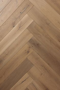 floor design Turin is a high-quality, budget-friendly Engineered Hardwood flooring with medium to dark color finish. Visit our website for free samples today! Turin, Planchers En Chevrons, Wood Floor Texture, Wood Floor Colors, Wood Floor Design, Herringbone Wood Floor, Natural Wood Flooring, Engineered Hardwood Flooring, Oak Flooring