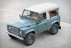Land Rover Defender D90 Keswick Green
