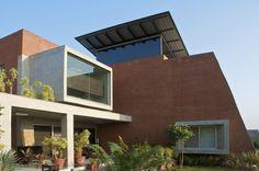The Brick House / Hiren Patel Architects