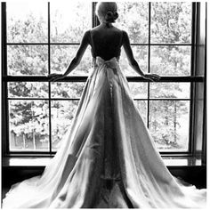 back bow wedding gown