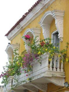 balcony garden, colonial Cartagena, Colombia