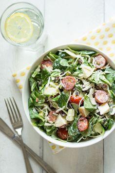 Knapperige salade met Witte kool, Appel & Rozijn - kip/hesp/tonijn/makreel/... toevoegen -- CHECK!