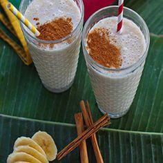 Batido de plátano, canela y yogurt