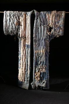 『田中忠三郎が伝える精神~東北の民俗衣コレクションと現代美術~』展が、11月1日から青森・十和田市現代美術館で開催される。  2013年に逝去した田中忠三郎は、青森出身の民俗学者・民俗民具研究家・著述家。2万点を超える民具、衣服や、1万点を超える古書・近世文書のコレクションで・・・