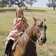 Melissa Gilbert on the set of Little House on the Prairie