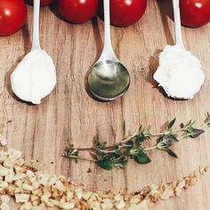 A LITTLE TOSCANA... There's a new recipe for delicious focaccia on the blog! Just hit the #linkinbio   Besser spät als nie oder? Das versprochene Rezept für diese ultraleckere Focaccia mit Frischkäse Tomaten und Walnüssen ist nun auf dem Blog. Pfeift auf die trüben Tage und leitet mit mir die Grillsaison ein!  #alittlefashion #lifestyle #blogazine #recipe #focaccia #toscana #italy #foodblogger #foodblogger_de #foodgram #foodaddict #feedfeed @thefeedfeed #fotototal #yourdailytreat…