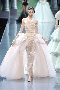 Fashion Show: Вечерние платья из коллекции Christian Dior Haute Couture Fall 2008
