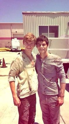 Thomas Sangster and Dylan Obrien-The Maze Runner my two favorite guys! Mostly Thomas Brodie-Sangster Maze Runner 2014, Maze Runner Cast, Maze Runner The Scorch, Maze Runner Thomas, Maze Runner Movie, Dylan O'brien Maze Runner, Thomas Brodie Sangster, Maze Runner Trilogy, Maze Runner Series