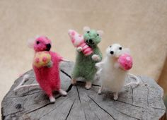 Felt mouse miniature Adorable mouse with a by Morenafelting
