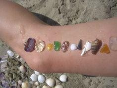 Farbensuche Möglichst viele Farben am Strand suchen. Wer findet die meisten Farben und woraus bestehen die Strandschätze?