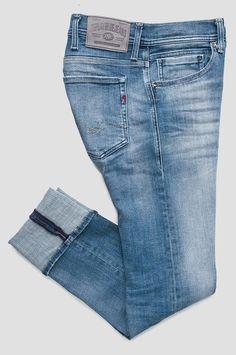 Men's Jeans Trousers Mens Dress Trousers, Denim Pants Mens, Men's Jeans, Mens Boots Fashion, Denim Fashion, Denim Display, Estilo Denim, Bermuda, High Jeans