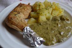 Sóskafözelék fött krumplival tálalva Mashed Potatoes, Food And Drink, Traditional, Meat, Chicken, Ethnic Recipes, Whipped Potatoes, Smash Potatoes, Cubs