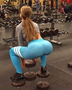 """5,444 Likes, 112 Comments - SHAUNNA MARIE (@xxshaunnamarie) on Instagram: """"DOUBLE TAP if you want to see more booty workouts!🎥🔥 - ✖️Elevated Sumo Squat (4x12) ✖️Smith Machine…"""""""