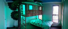 31 Free DIY Bunk Bed Plans & Ideas that Will Save a Lot of Bedroom Space is part of Boys bedroom Space - Bunk beds are great to save bedroom space with 2 or more person If you want to build it, bookmark this collection of free DIY bunk bed plans Safe Bunk Beds, Cool Bunk Beds, Kids Bunk Beds, Loft Beds, Tree House Bunk Bed, House Beds, Boys Space Bedroom, Kids Room, Girl Bedrooms