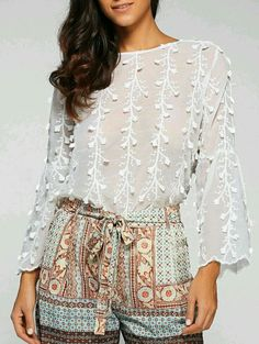 I miss my summer style. #white #blouse #floralapplique #summer #style #fashiongirl