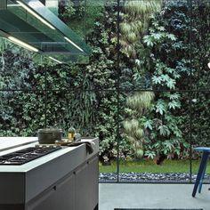 Elle Deco green wall