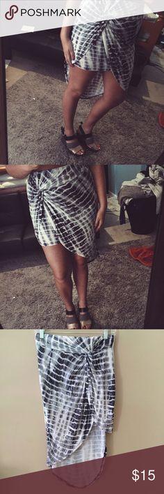 •Tie Dye Asymmetrical Hem Skirt• Tie Dye asymmetrical hem skirt with twisted knot front. Medium. Super stretchy waistband. See You Monday brand. Purchased from Tj Maxx See You Monday Skirts Asymmetrical