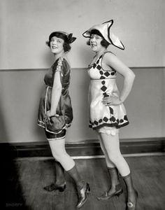 """MOVIMIENTO PERPETUO (a capriccio):  """"Un vestido carece totalmente de sentido, salvo el de inspirar a los hombres el deseo de quitártelo"""".  Françoise Sagan"""