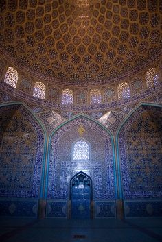 Mihrab of the Sheikh Lotf Allah Mosque, Isfahan, Iran, constructed 1603-18, chief architect Shaykh Bahai, during the reigh of Shah Abbas I of the Safavid dynasty.