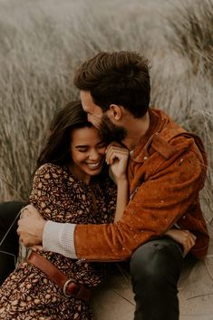 Love these rust colors Couple Photoshoot Poses, Couple Photography Poses, Couple Posing, Couple Portraits, Couple Shoot, Creative Couples Photography, Posing Couples, Engagement Photo Poses, Engagement Couple