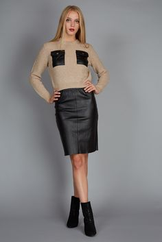 Sexy woman: cropped sweater and black tube skirt #fw16 #fashion #leather #carven