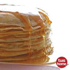 Pancakes can be served in so many different ways: you can fill it with minced meat and make the most delicious cannelloni, or enjoy the traditional way with just cinnamon sugar and lemon juice. Fun Baking Recipes, Bread Recipes, Dessert Recipes, Desserts, Pancake Recipes, Good Food, Yummy Food, Awesome Food, Griddle Cakes