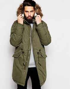 ASOS Fishtail Parka With Thinsulate - Olive green, Parka by ASOS Cotton, Nylon Thinsulate lined for added warmth and comfort Faux shearling lined hood Removable faux fur trim Concealed zip fastening Press stud placket Real leather trims Twin flap pockets. Mens Winter Coat, Winter Jackets, Men's Jackets, Bomber Jackets, Military Trends, Fishtail Parka, Green Chinos, Outfits Hombre, Mens Fur