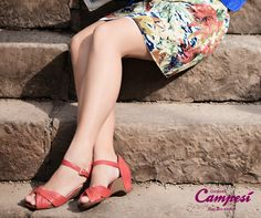 Seus pés merecem conforto. Experimente uma sandália Campesí e sinta o efeito da gota massageadora na palmilha.