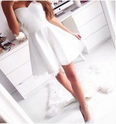 Simple Style Women Pure White Sweetheart Chiffon Short Homecoming Dress 2015  Description  All of our dresses are handmade by workers, and if you are interesting and want more information, please give us the message. We can Make the dress as follow: wedding dresses, prom dresses, homecoming dresses, bridesmaid dresses, flower girl dresses, party dresses, cocktail dresses and so on!