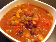 My new favorite recipe. I know it sounds weird but trust me on this one. Oh my gosh is this stuff awesome! It's the perfect lunch or dinner dish for a co Savory Sweet Potato Recipes, Sweet Potato Chili, Chili Recipes, Diet Recipes, Dessert Recipes, Chili Cook Off, Dinner Dishes, Plant Based Diet, Good Food