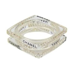 Pre-Owned Chanel Lucite Bangle Set With Crystals (€470) ❤ liked on Polyvore featuring jewelry, bracelets, clear crystal jewelry, chanel jewelry, acrylic bangle, clear lucite jewelry and lucite jewelry