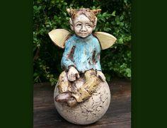 Gartenfiguren - Keramik Elfe, Fee, Gartenfigur, Beetstecker - ein Designerstück von Atelier-MJ-Arts bei DaWanda
