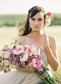 Pageant Wedding Bouquet - long floral stems designed in a way that the stems lay against the bride's arm, with the cluster of flower heads near the elbow. Bride Bouquets, Flower Bouquet Wedding, Floral Wedding, Flower Bouquets, Purple Wedding, Wedding Trends, Wedding Styles, Wedding Ideas, Spring Wedding