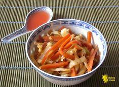 VERDURE SALTATE ALLA CINESE per involtini primavera e spaghetti di riso #verdure #cina #ricettacinese #china #ricetta #recipe #vegan #foodporn #ilchiccodimais http://blog.giallozafferano.it/ilchiccodimais/verdure-saltate-alla-cinese-ricetta/