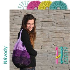 Háčkovaná taška síťovka fialka Návod na výrobu háčkované tašky. Drawstring Backpack, Backpacks, Sewing, Crochet, Diy, Bags, Fashion, Purses, Crocheting