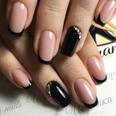 The cool thing about accent nails is that you dont need a design on every finger Try adding black accents on all ten nails or compliment one or two It can be tricky incor. Gel French Manicure, French Tip Nails, French Manicures, Black French Manicure, French Manicure Designs, Gorgeous Nails, Pretty Nails, Nice Nails, Simple Nails