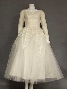 GORGEOUS Tea Length Lace & Tulle 1950's Wedding Dress  Item v6731 ... Price: $275