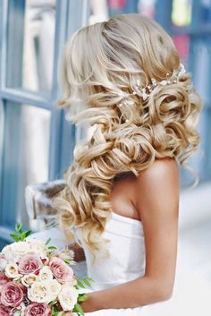 30 Jaw Dropping Wedding Updos & Bridal Hairstyles - Yup Wedding